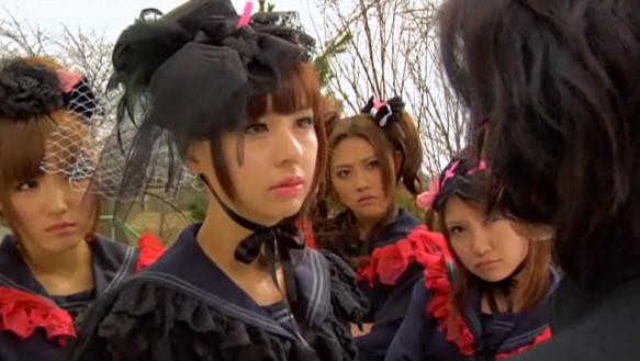 vampire-girl-vs-frankenstein-girl-keiko