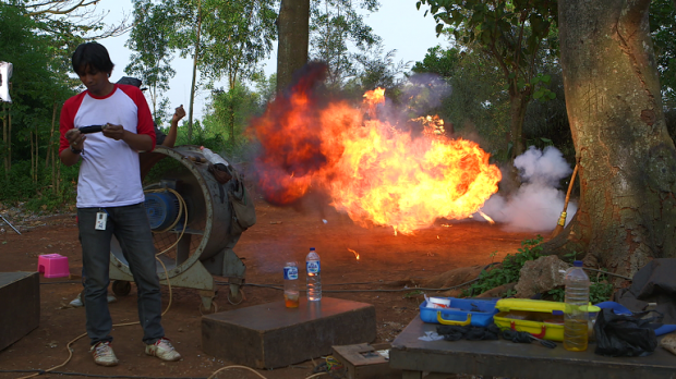 Garuda Power : Lost Actions Heroes. Garuda Power : l'esprit du cinéma d'action indonésien. Explosion !