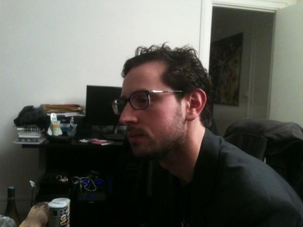 Victor Lopez, tentant de rester concentrer après 2 heures de débat et autant de bouteilles de vin