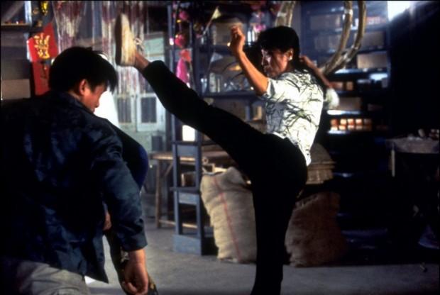 Michelle Yeoh dans Demain ne meurt jamais de Roger Spottiswoode (1997)